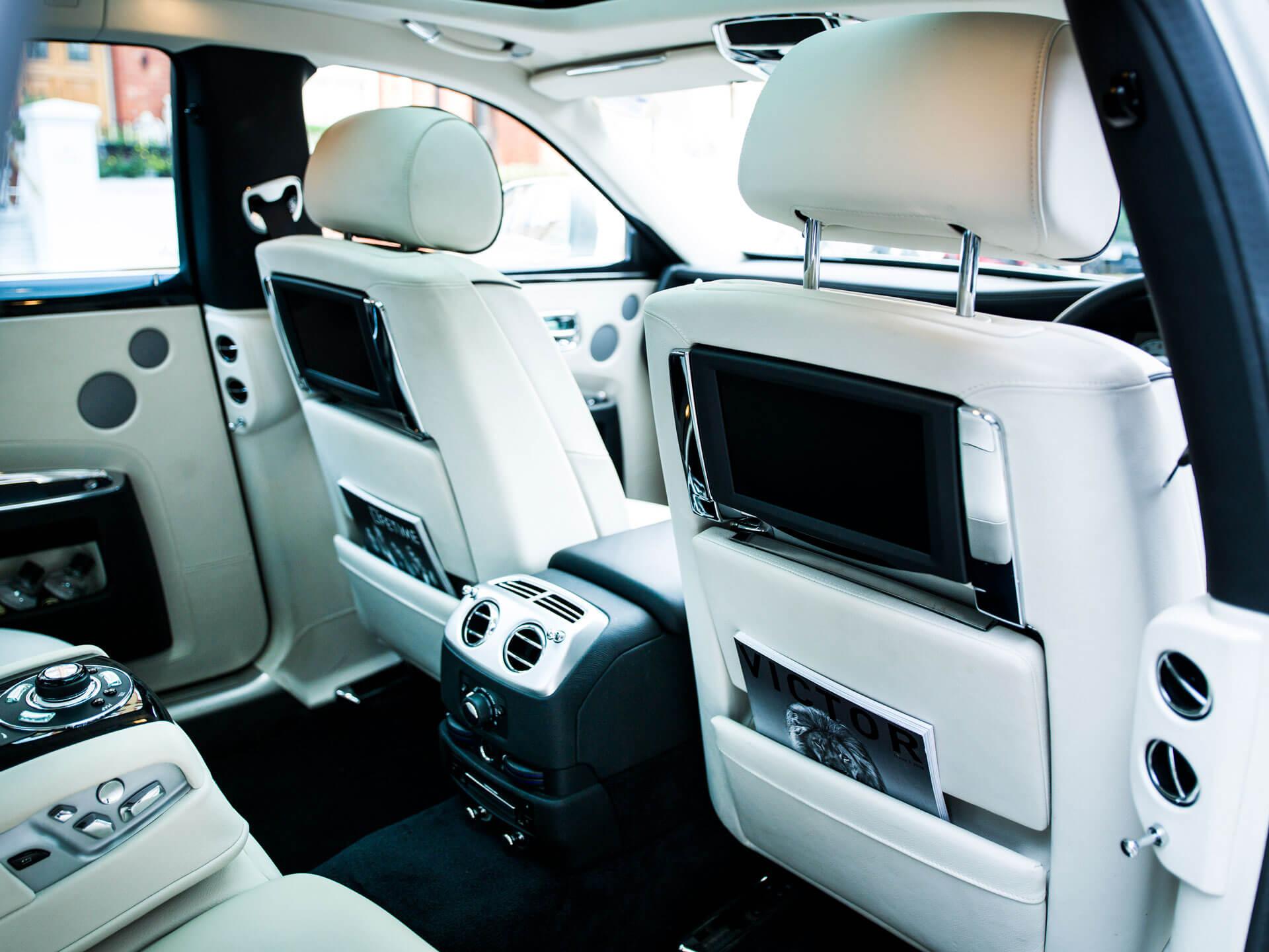 Rolls-Royce-Ghost-8