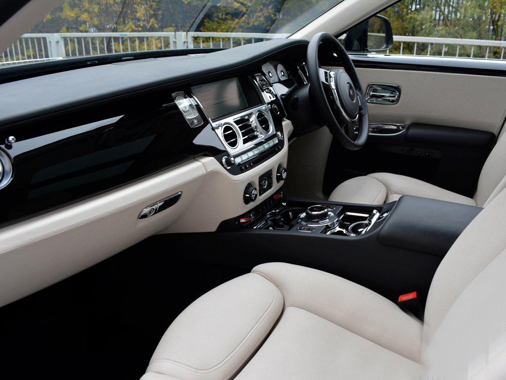 Rolls Royce Ghost Dashboard